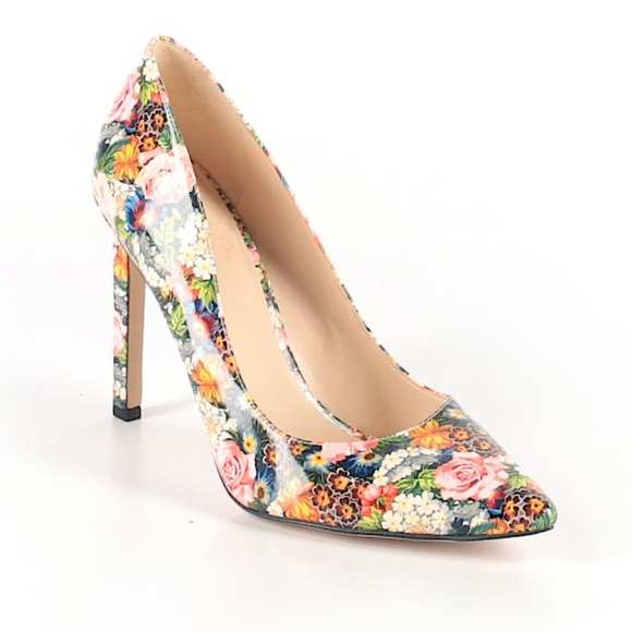 9e38fcad3eb100 Nine West Gorgeous Floral Print Shoes Heels. M_5c452efa3e0caa55f2a078ad